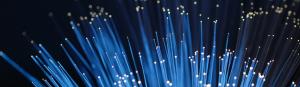 ¿Qué debe tener un buen servicio de fibra óptica?